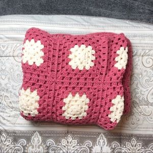 Other - Crochet blanket pink and white